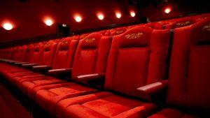 اکران فیلمها برای جبران کاهش چشمگیر فروش بلیت در هفته گذشته تمدید خواهد شد