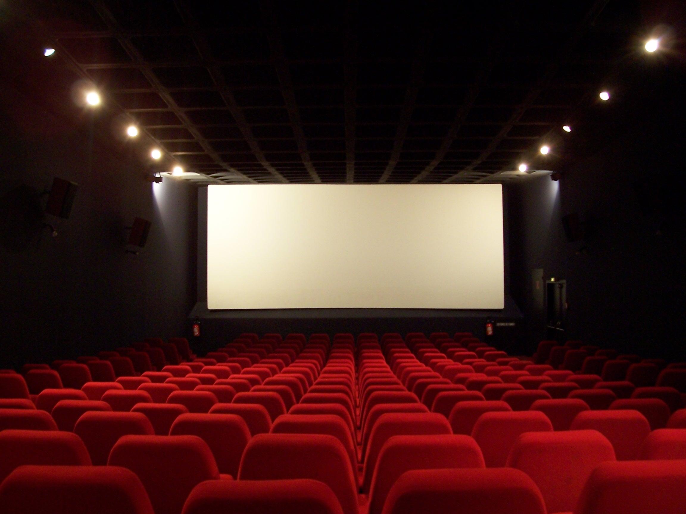فیلمهای در حال اکران داخلی همچنان مخاطب از دست میدهند