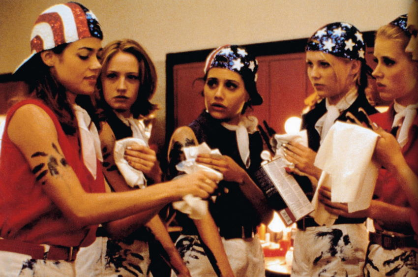 Drop Dead Gorgeous 1 ویجیاتو: ۱۱ فیلم شگفتانگیز دهه ۹۰ میلادی که آنها را نمیشناسید اخبار IT
