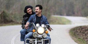 کارگردان پایتخت: در صحنه موتورسواری بین هنرپیشهها کیف گذاشتیم تا تماس بدنی نباشد