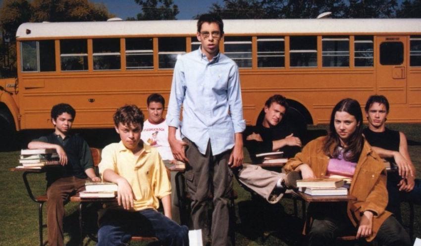 معرفی سریال Freaks and Geeks - وقتی ستارههای هالیوود مدرسه میرفتند