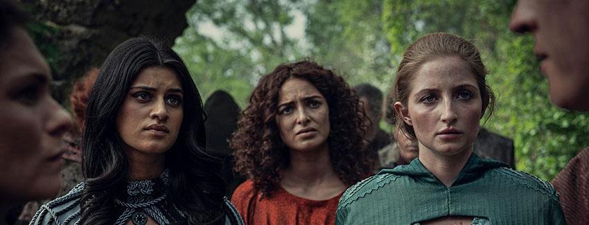 تریس (وسط) و ینفر (چپ) در سریال The Witcher
