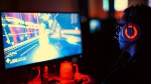 اکثر گیمرهای ایرانی به تماشای استریمرها و بازیهای آنلاین علاقه دارند