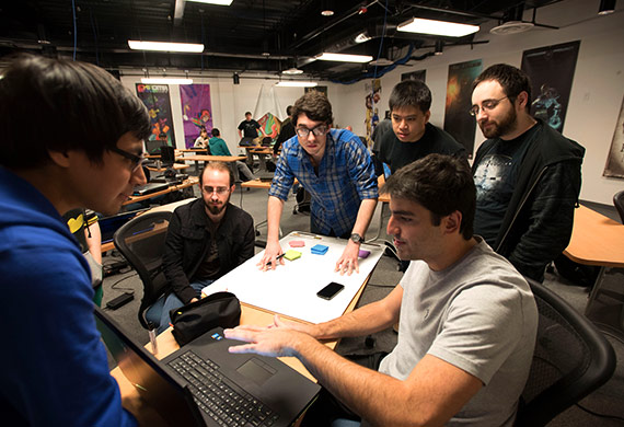 smu guildhall academics team huddle ویجیاتو: چگونه تیم بازیسازی تشکیل دهیم؟ اخبار IT