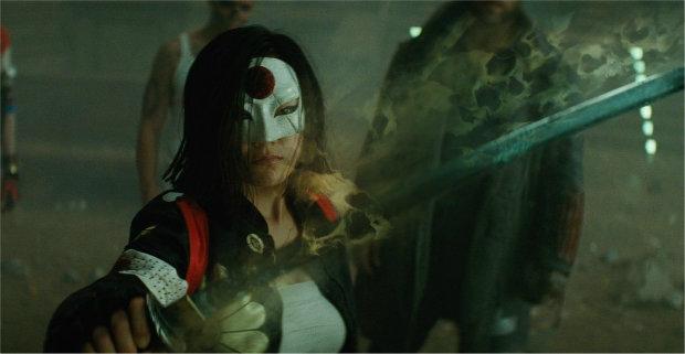 شمشیر سولتیکر در دستان کاتانا در فیلم Suicide Squad