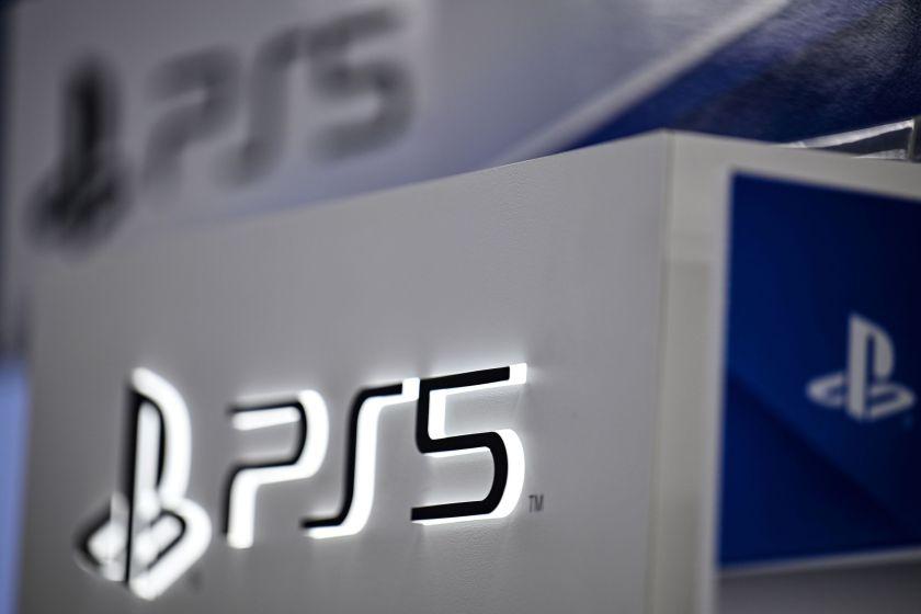 فروش پلی استیشن 5 در بریتانیا از یک میلیون دستگاه عبور کرد