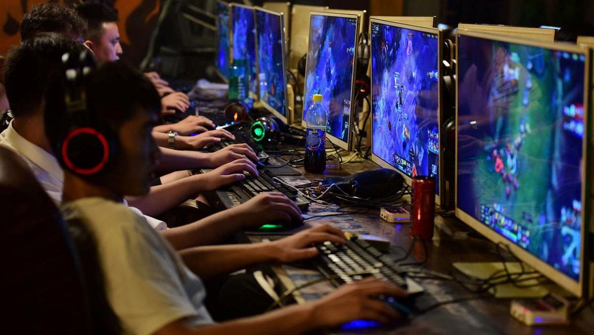 چین بازی کردن افراد زیر ۱۸ سال در طول هفته را ممنوع کرد