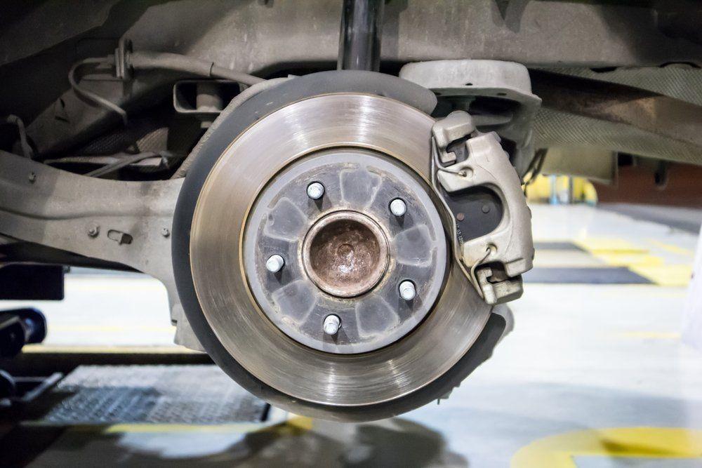 مزایای استفاده از لنت ترمز در خودرو چیست؟