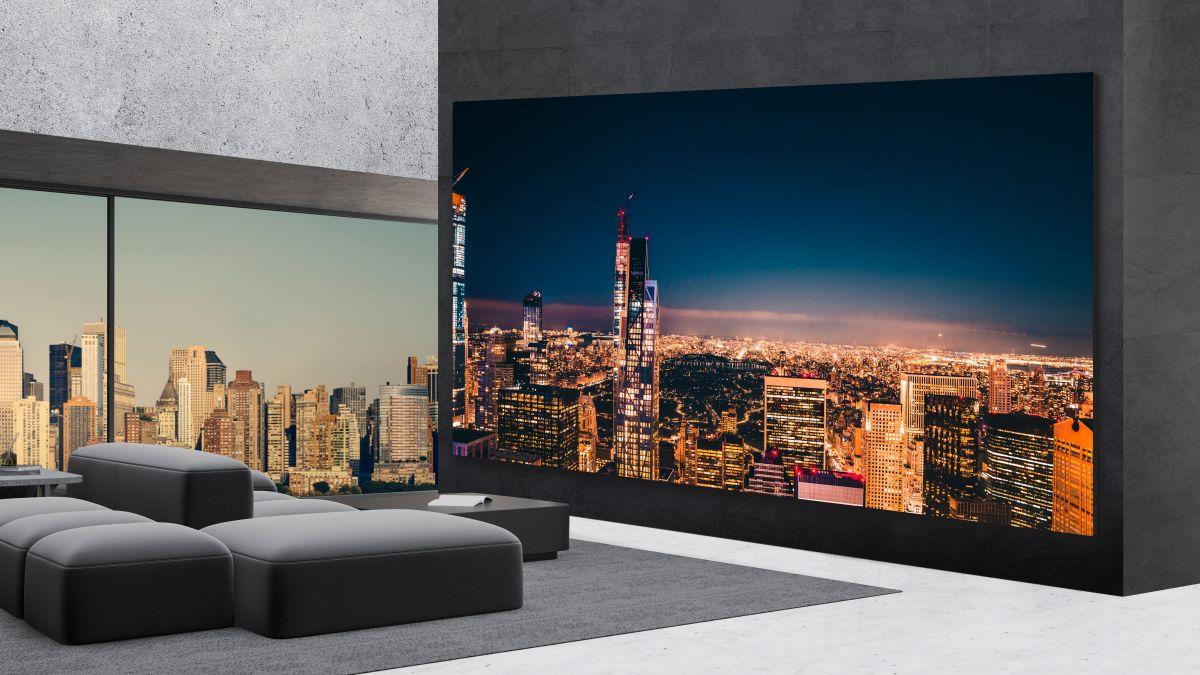 تلویزیون جدید LG اندازه یک هلیکوپتر قیمت دارد